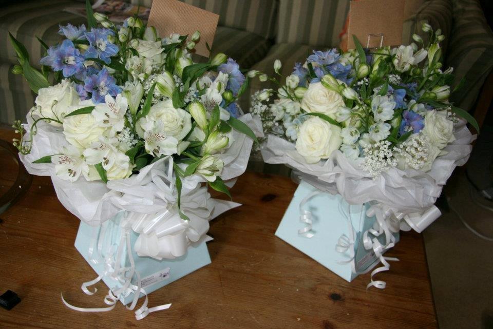 Gift presentation wedding bouquets