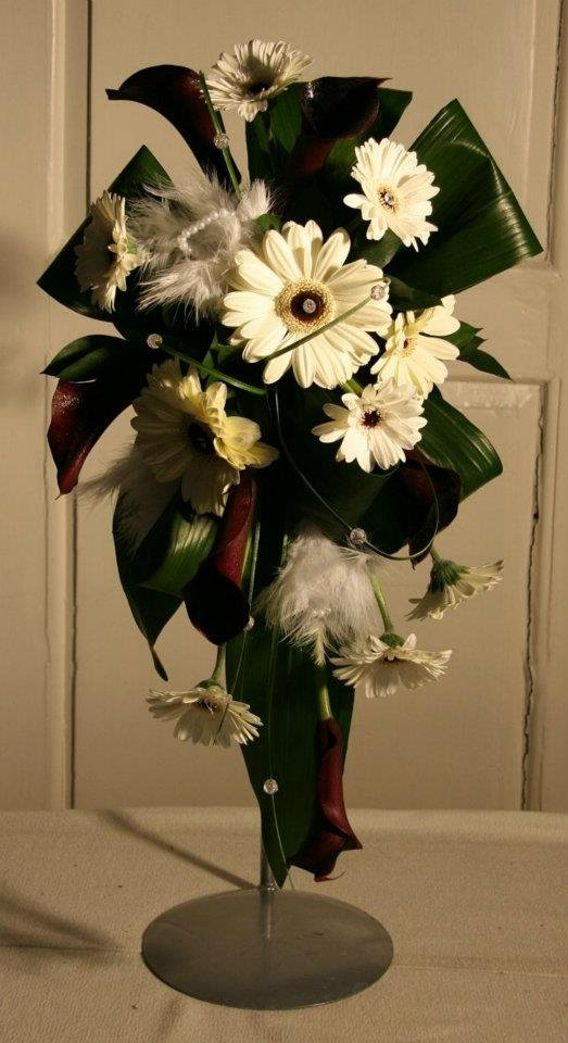 Contemporary black and white bridal bouquet