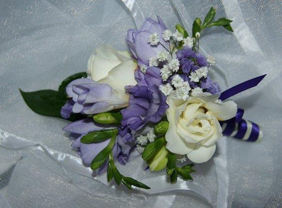 ladies lilac fresh flower corsage