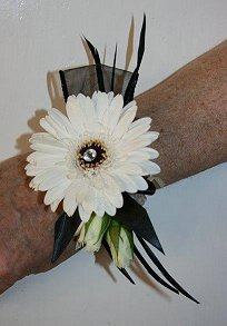 Ladies contemporary wrist corsage in black and white