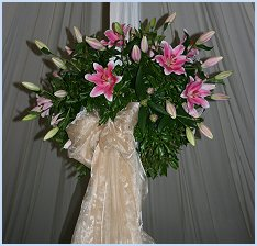 marquee pole wedding flowers