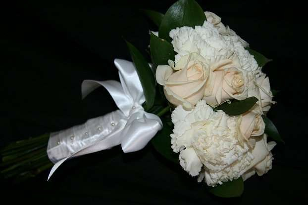 Bridesmaid bouquet in champagne colours